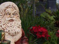Père Noël décoratif chez Charbonneau l'Expert