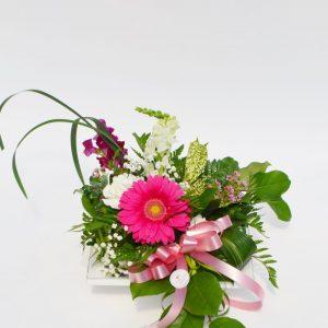 Arrangement de fleurs rose doux