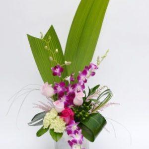 Arrangement de fleurs des Tropiques