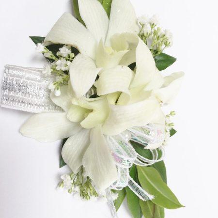 Bracelet d'orchidées blanches et décos