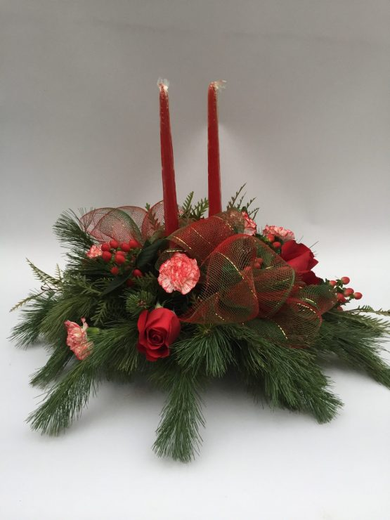 centre de table de noel, sapinage, chandelle, roses rouges