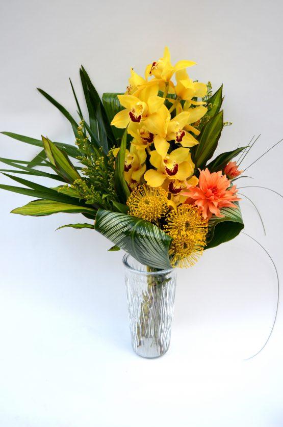 bouquet exotique éblouissant avec orchidée cymbidium et protea