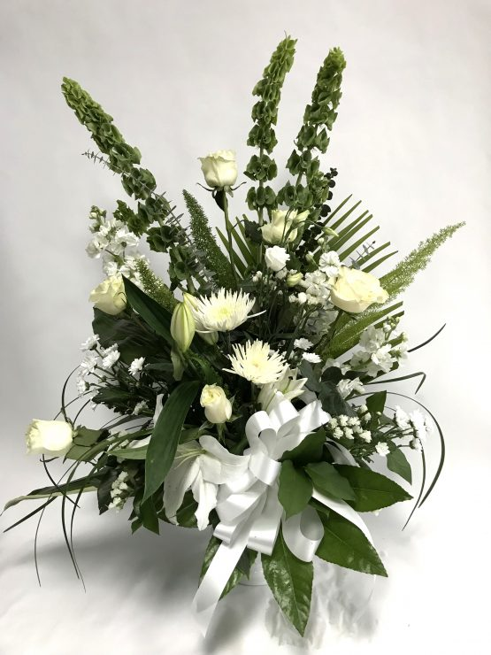 corbeille funéraire blanche moderne, funeral flower
